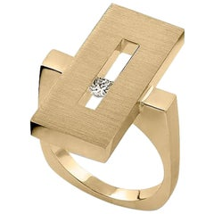 Diamond in Yellow Gold Suspended Rectangle Ring