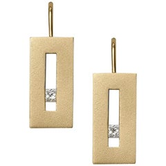 Diamond in Yellow Gold Suspended Rectangle Earrings