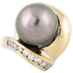 Yellow Gold Tahitian Pearl Diamond Ring