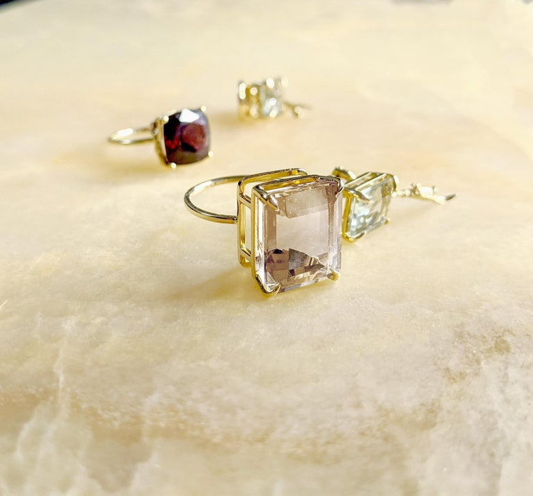 Yellow Gold Tea Contemporary Ring with Natural Red GIL Cert 5.38 Carat Spinel For Sale 1