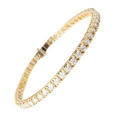 18 Karat Yellow Gold Diamond Tennis Bracelet