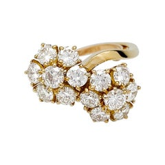 Yellow Gold Van Cleef & Arpels Flowers Ring Set with Diamonds
