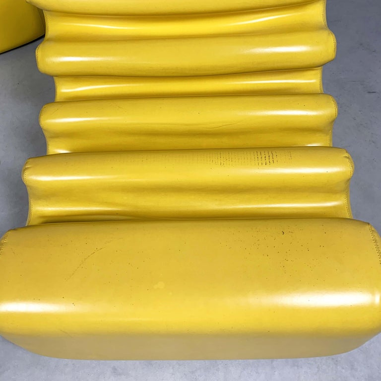 Yellow Karelia Lounge Chairs by Liisi Beckmann for Zanotta, 1970s In Good Condition For Sale In Lasne, BE
