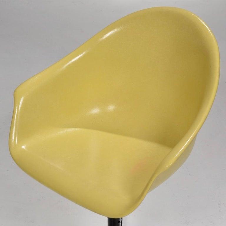 Yellow Molded Fiberglass Swivel Shell Chair For Sale 3