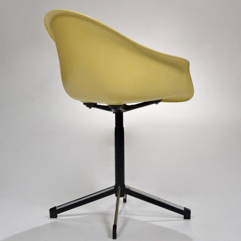 American Yellow Molded Fiberglass Swivel Shell Chair For Sale