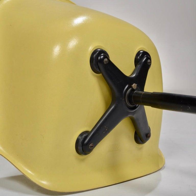 Yellow Molded Fiberglass Swivel Shell Chair For Sale 1