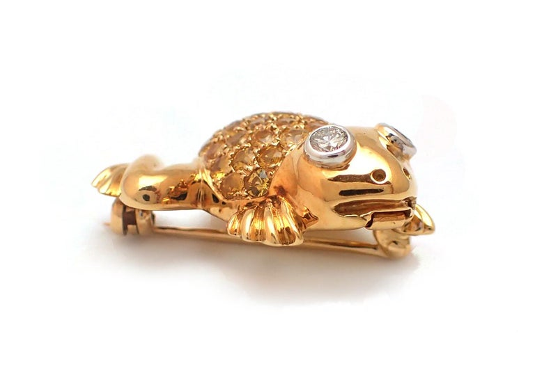 Yellow Sapphire and Diamond Frog Pin in 18 Karat Yellow Gold In Excellent Condition For Sale In New York, NY