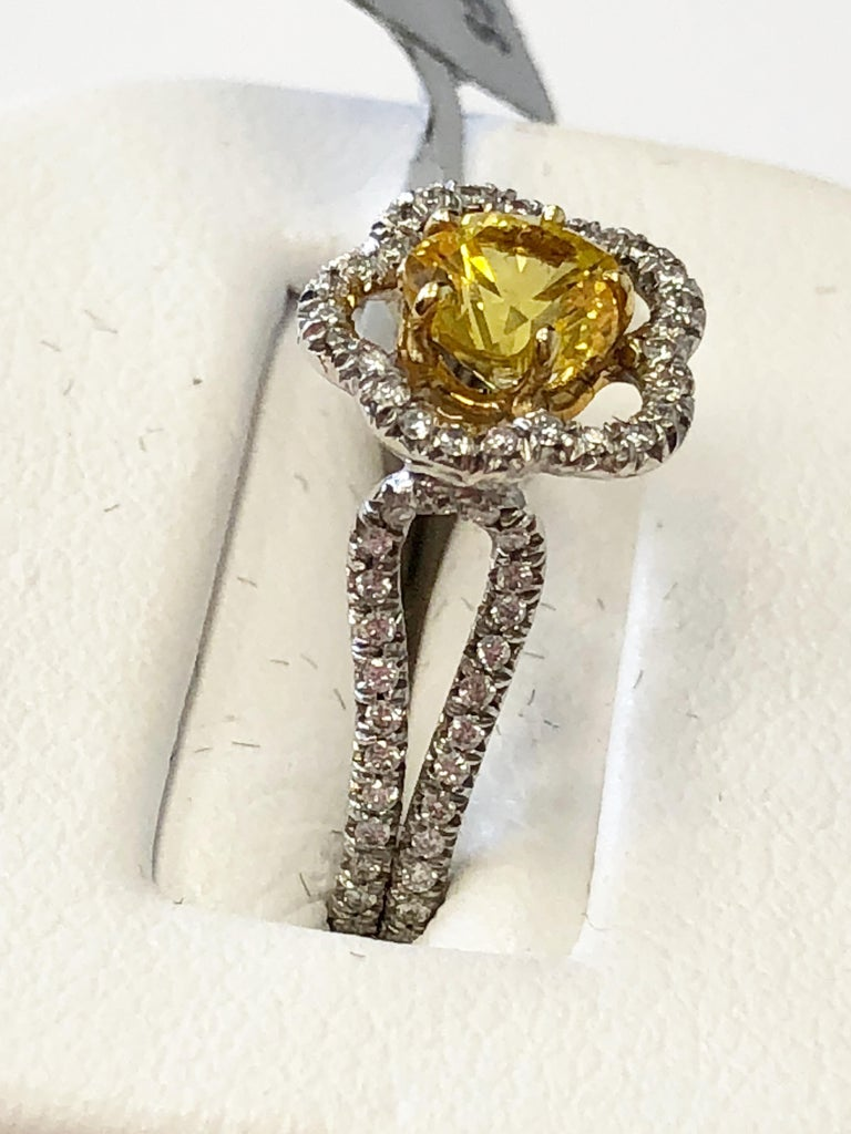Yellow Sapphire Flower Shape and Diamond Ring in 18 Karat Gold In New Condition For Sale In Los Angeles, CA