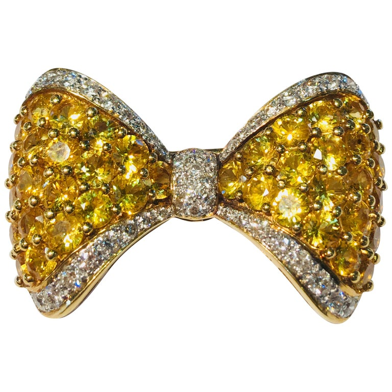 Yellow Sapphire White Diamond 18 Karat Gold Bow Tie Brooch Pin Over 7 Carat For Sale