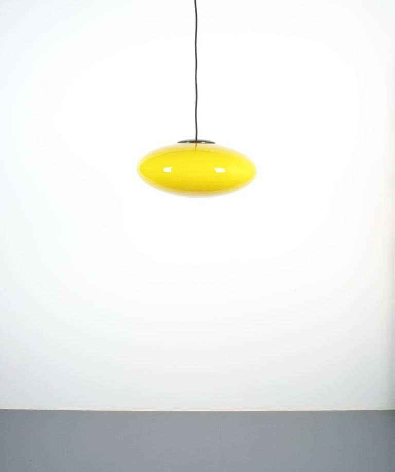 Lacquered Yellow Stilnovo Glass Ball Pendant Lamp, Midcentury Italy For Sale
