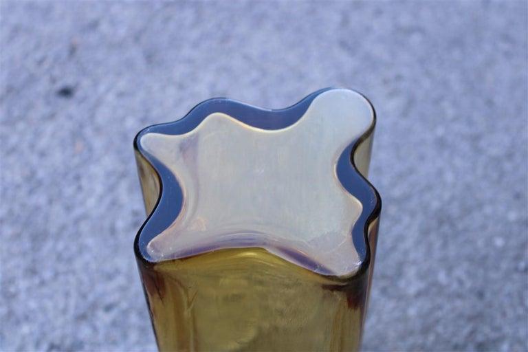 Yellow Vase Murano Glass Italian Design 1970s Mangiarotti Attributed For Sale 1
