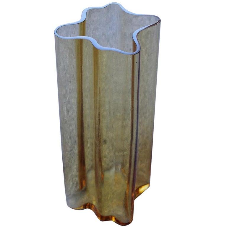 Yellow Vase Murano Glass Italian Design 1970s Mangiarotti Attributed For Sale