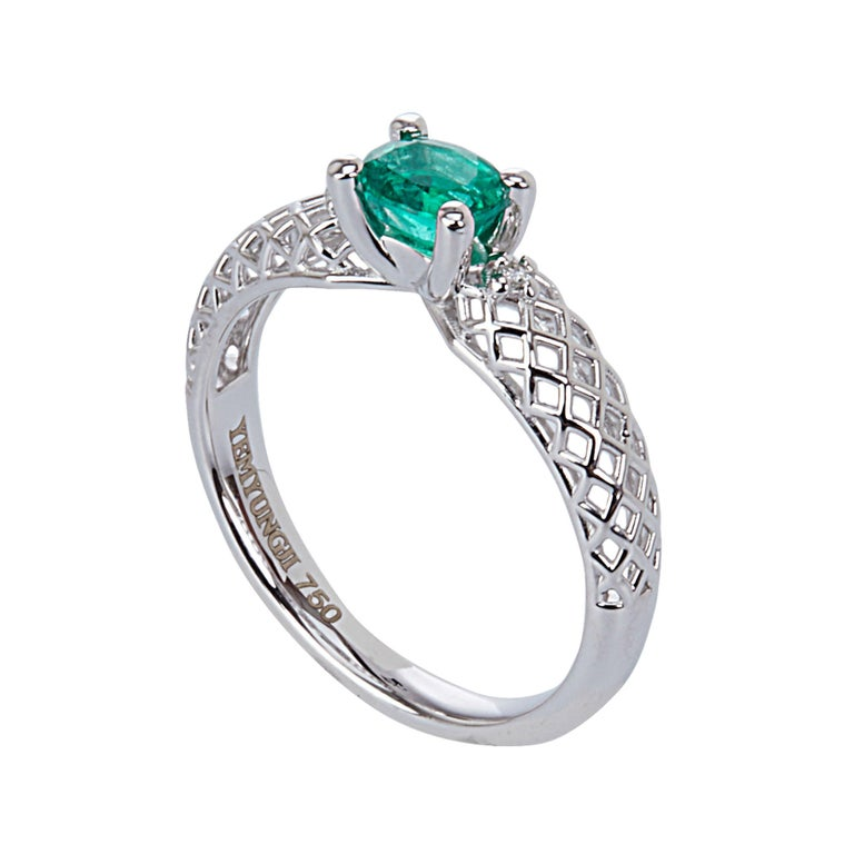 Contemporary Yemyungji Emerald Ruby Sapphire Oval Cut Solitaire Layering Ring Set For Sale