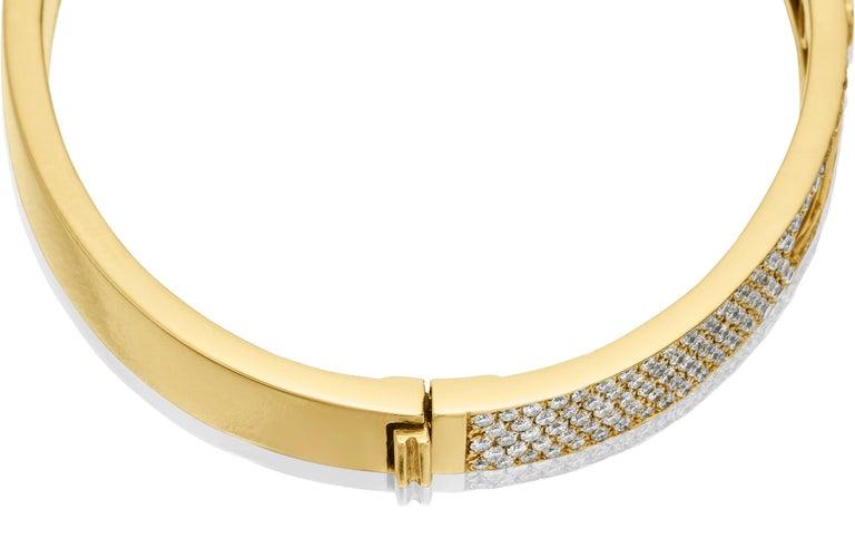 Yessayan Happy/Moving Diamond Bangle in 18 Karat Yellow Gold For Sale 3