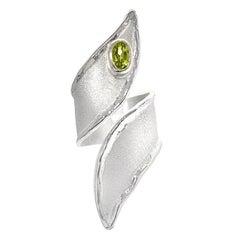 Yianni Kreationen 0,50 Karat Peridot feines Silber und Palladium Ring