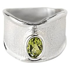 Yianni Creations 0.95 Carat Peridot Fine Silver and Palladium Ring