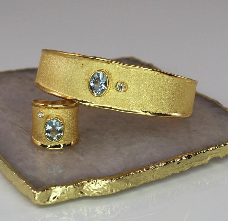 Women's Yianni Creations 1.10 Carat Aquamarine and Diamond 18 Karat Yellow Gold Bracelet For Sale