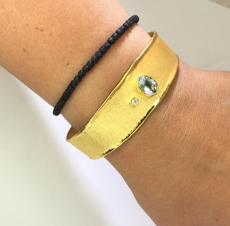 Yianni Creations 1.10 Carat Aquamarine and Diamond 18 Karat Yellow Gold Bracelet For Sale 2