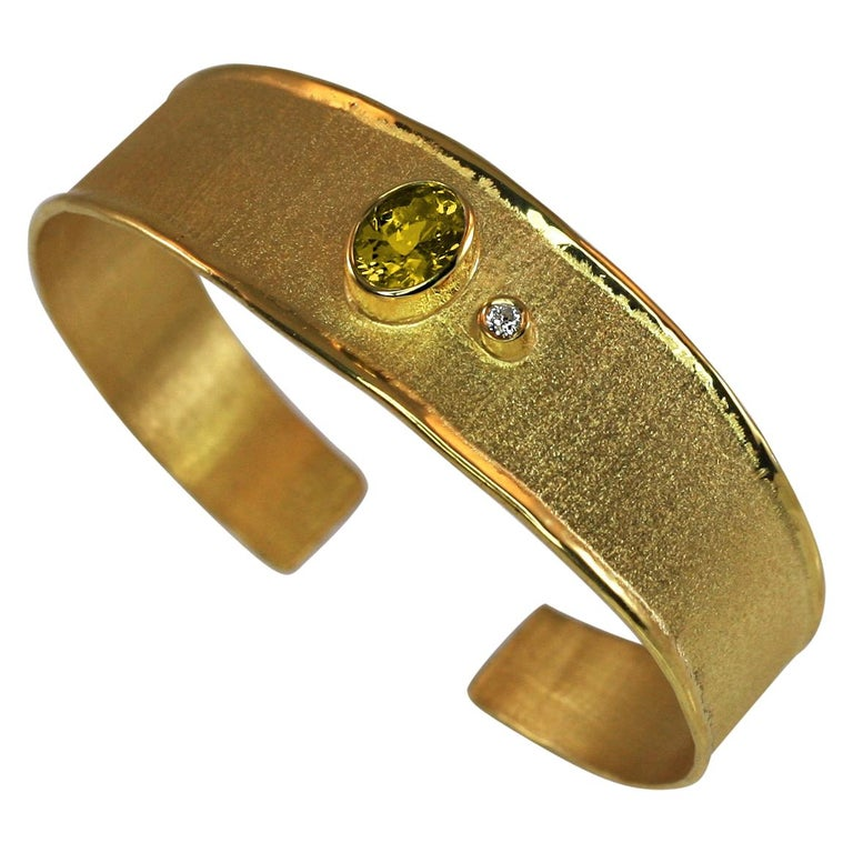 Yianni Creations 18 Karat Solid Yellow Gold Diamond Bracelet With a Citrine For Sale