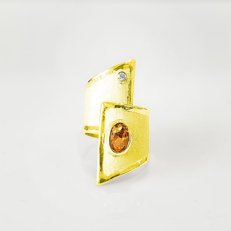 Yianni Creation Gold 18 Karat Citrine and Diamond Adjustable Long Wide Band Ring For Sale 3