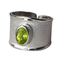Yianni Creations 1.35 Carat Peridot Fine Silver and Palladium Ring