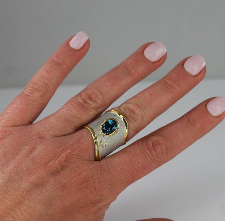 Yianni Creations 1.60 Carat Topaz Ring with Diamond in Fine Silver and Pure Gold For Sale 8
