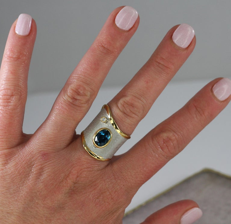 Yianni Creations 1.60 Carat Topaz Ring with Diamond in Fine Silver and Pure Gold For Sale 3