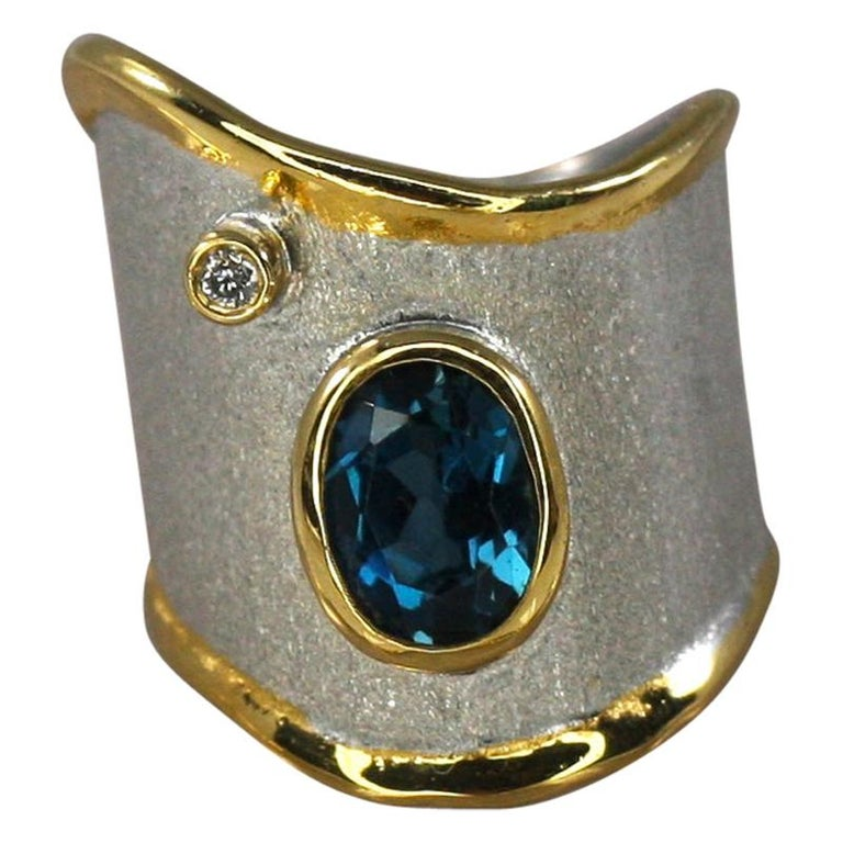 Yianni Creations 1.60 Carat Topaz Ring with Diamond in Fine Silver and Pure Gold For Sale