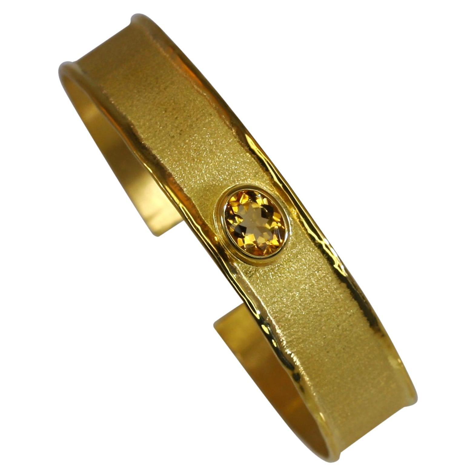 Yianni Creations 18 Karat Gold Bangle Bracelet with Citrine