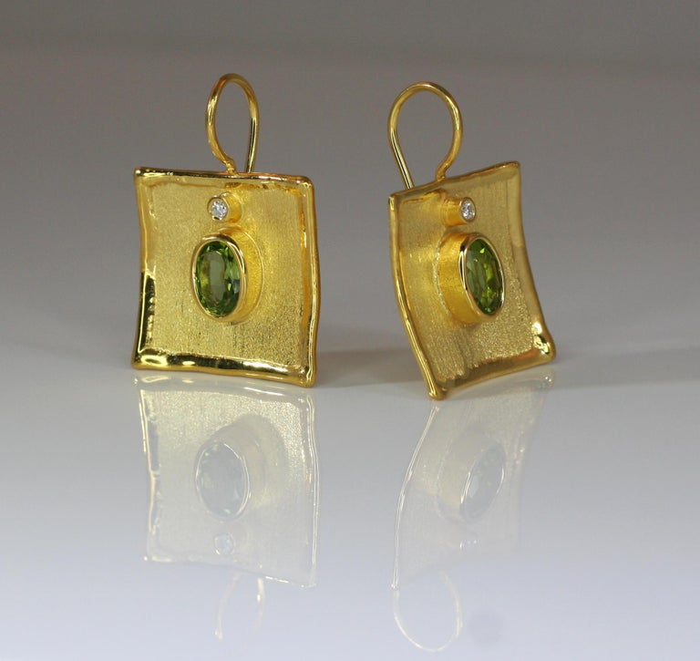 Yianni Creations 18 Karat Gold Earrings with 2.70 Carat Peridot and Diamonds In New Condition For Sale In Astoria, NY