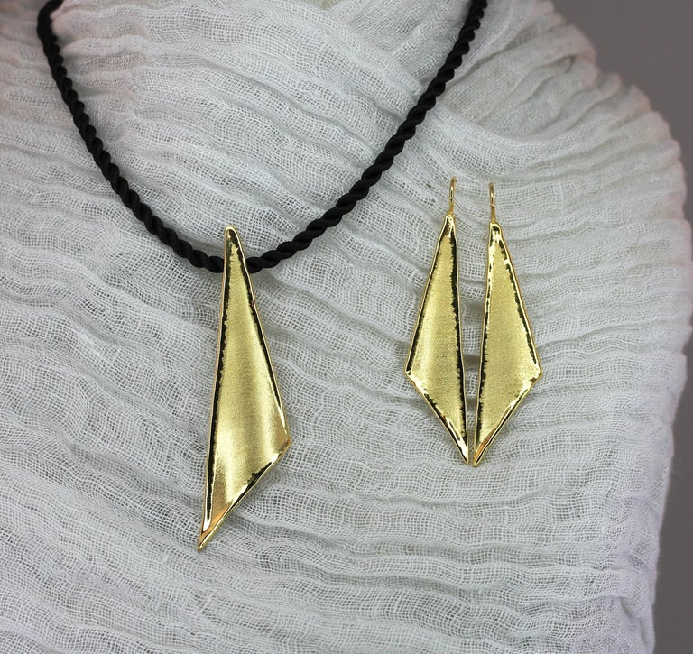 Yianni Creations 18 Karat Gold Handmade Triangular Earrings For Sale 5