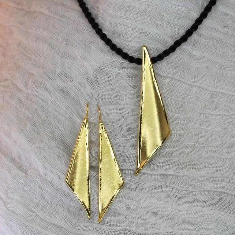 Yianni Creations 18 Karat Gold Handmade Triangular Earrings For Sale 6