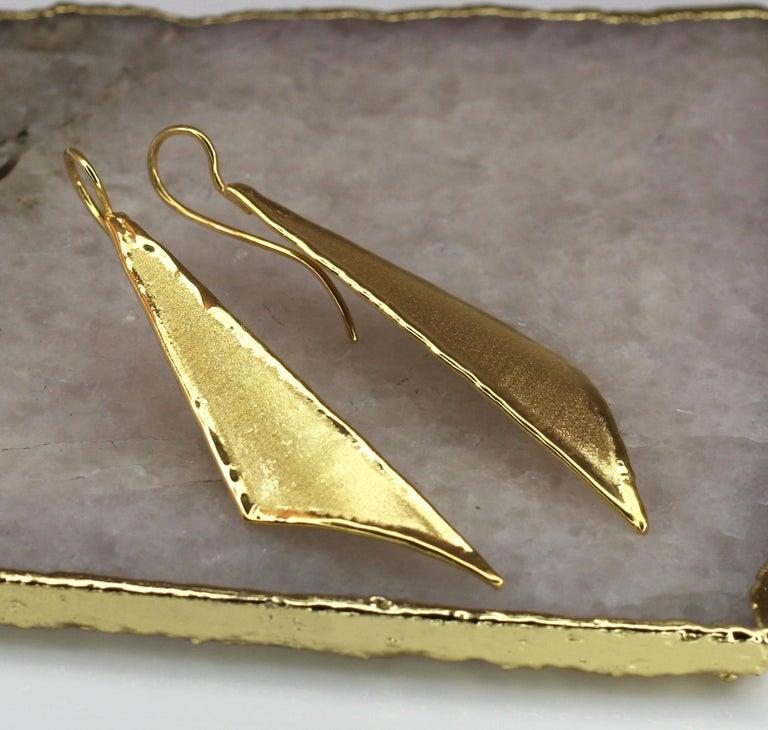 Contemporary Yianni Creations 18 Karat Gold Handmade Triangular Earrings For Sale
