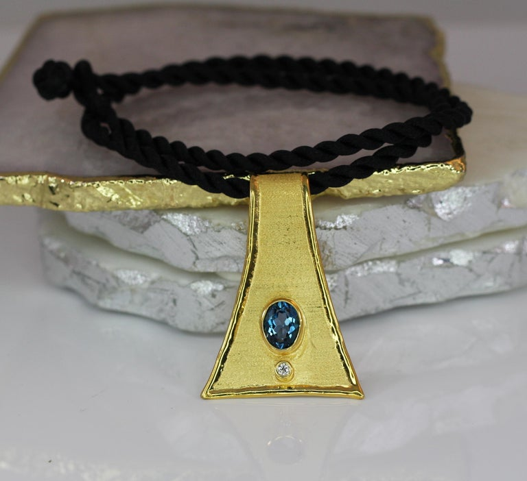 Yianni Creations 18 Karat Gold Pendant Necklace with Blue Topaz and Diamond For Sale 8