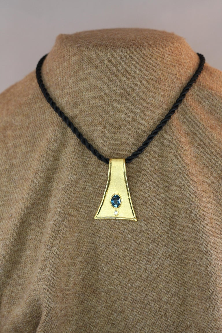 Yianni Creations 18 Karat Gold Pendant Necklace with Blue Topaz and Diamond For Sale 2