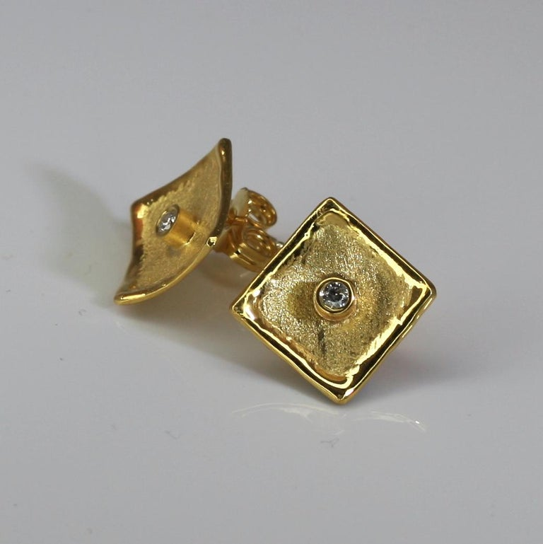 Round Cut Yianni Creations 18 Karat Yellow Gold Stud Earrings with Diamonds For Sale