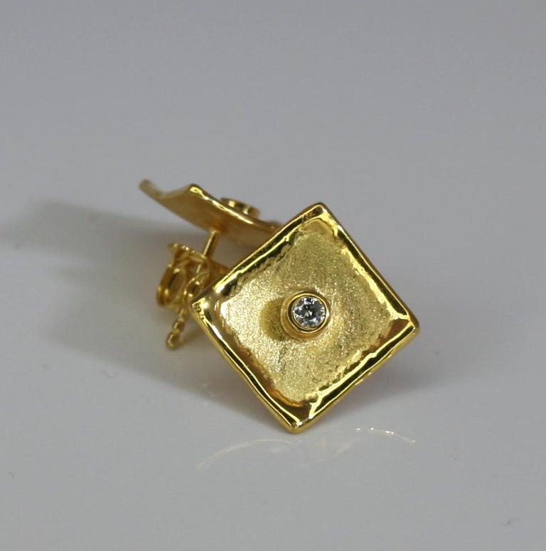 Yianni Creations 18 Karat Yellow Gold Stud Earrings with Diamonds In New Condition For Sale In Astoria, NY