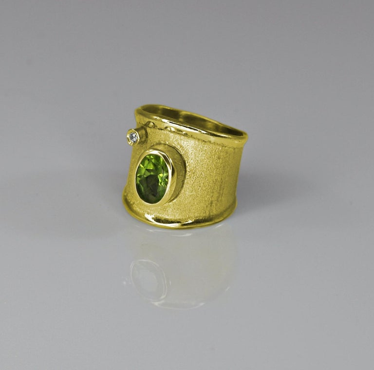 Contemporary Yianni Creations 18 Karat Yellow Gold Peridot and Diamond Wide Band Ring For Sale