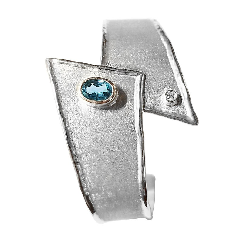 Yianni Creations 2.50 Carat Topaz Diamond Fine Silver Palladium Bangle Bracelet For Sale