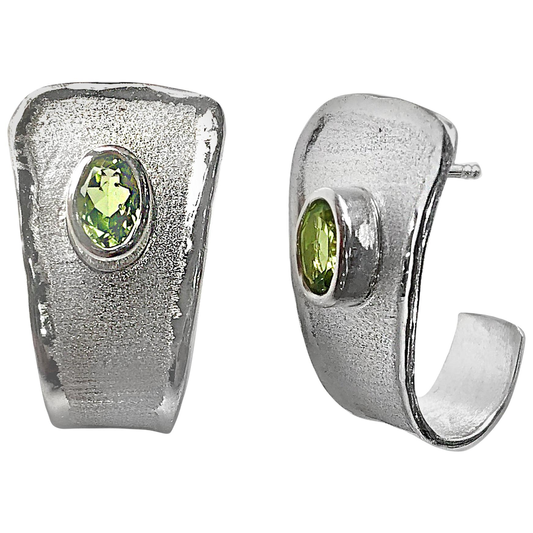 Yianni Creations 2.70 Carat Peridot Fine Silver Palladium Earrings