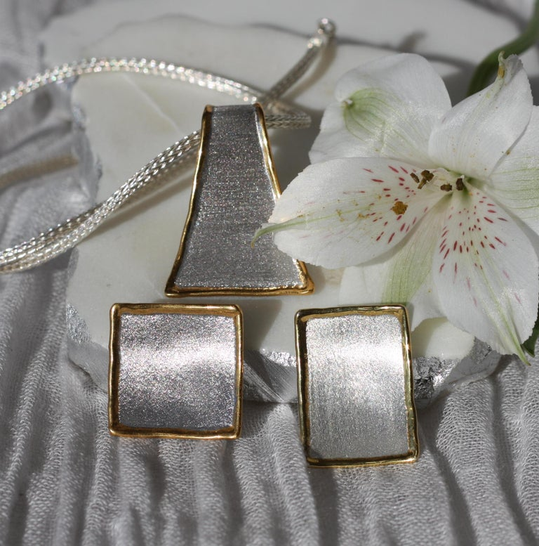 Yianni Creations Fine Silver and 24 Karat Gold Pendant Necklace For Sale 6