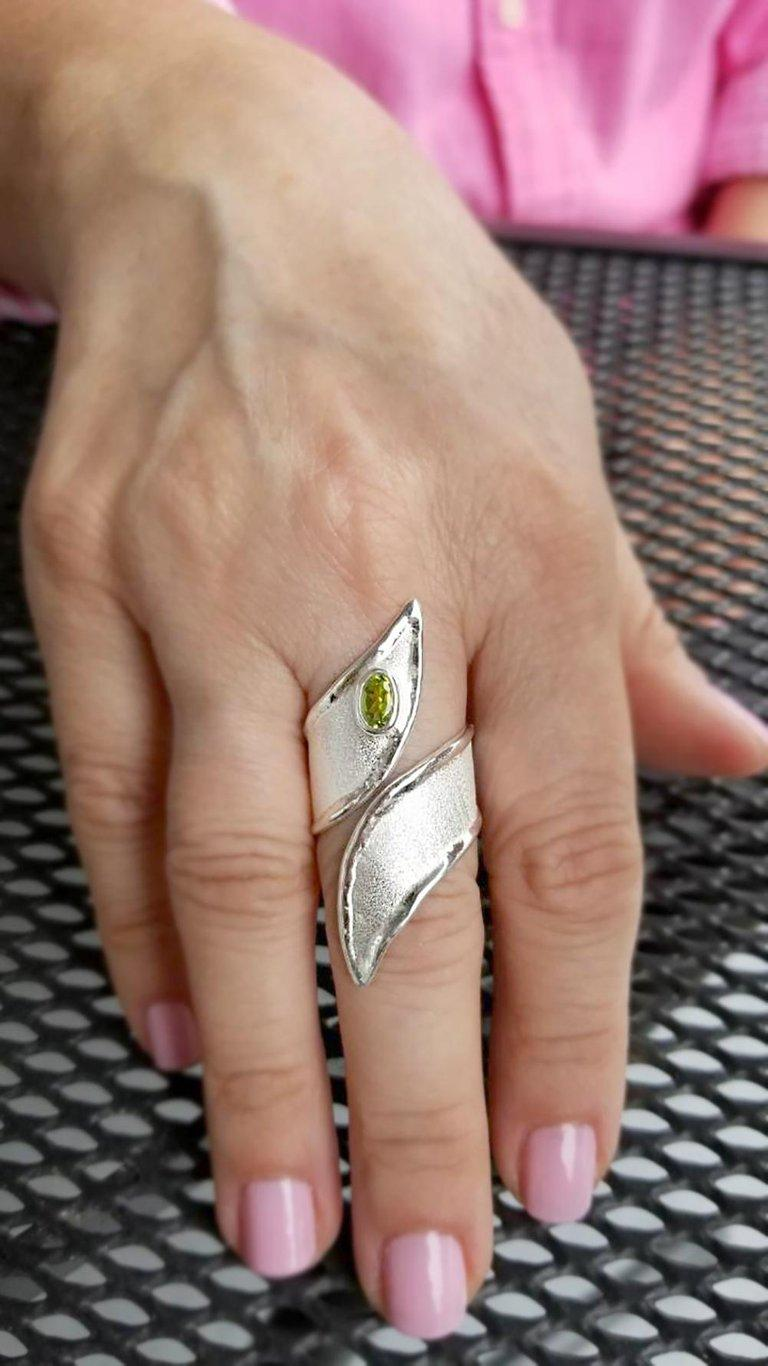 Contemporary Yianni Creations Peridot Fine Silver and Palladium Long Band Adjustable Ring For Sale