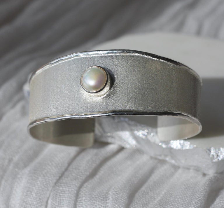 Yianni Creations Freshwater Pearl Fine Silver and Palladium Bangle Bracelet In New Condition For Sale In Astoria, NY