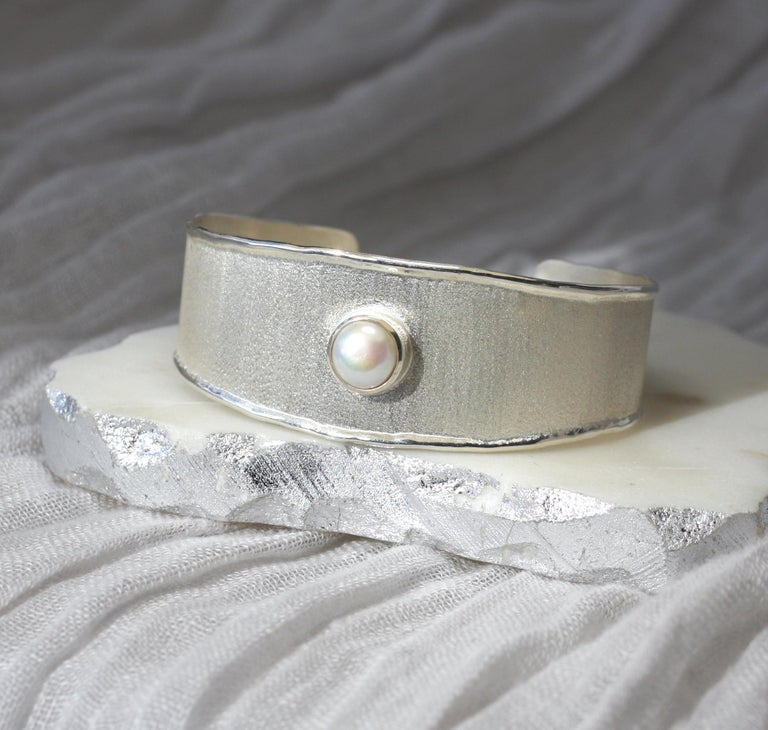 Women's Yianni Creations Freshwater Pearl Fine Silver and Palladium Bangle Bracelet For Sale