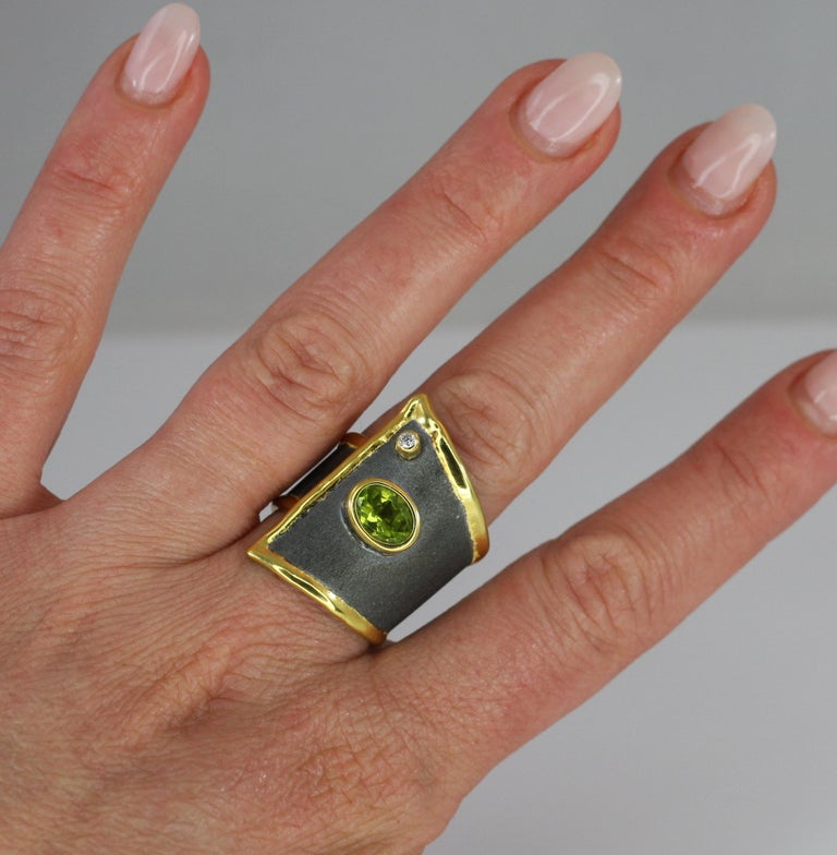 Contemporary Yianni Creations Peridot Diamond Fine Silver Rhodium 24 K Gold Wide Band Ring For Sale