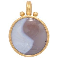 Yin/Yang Agate Pendant in 22 Karat Gold