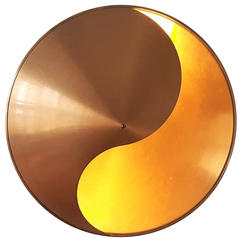 Yin-Yang wall lamp in brass by Hermian Sneyders de Vogel for RAAK, 1970's