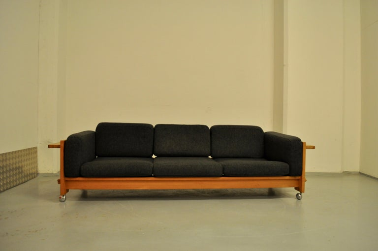 Yngve Ekstrom sofa model Dymling Kontrapunkt for Swedese, 1970. Sofa Swedish sofa made by the designer Yngve Ekstrom in solid pine on chrome wheels. Very comfortable it is still in its original fabric. This rare model has adopted brutal forms that