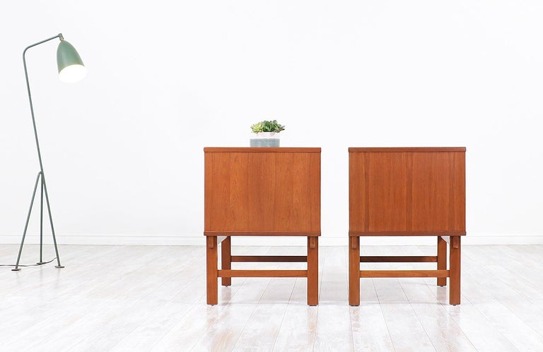 Yngve Ekström Teak Nightstands for DUX In Excellent Condition In Los Angeles, CA