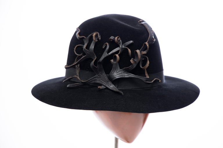 Yohji Yamamoto Pour Homme Black Wool Felt Appliquéd Leather Fedora, ca. 1990's In Excellent Condition For Sale In Cincinnati, OH